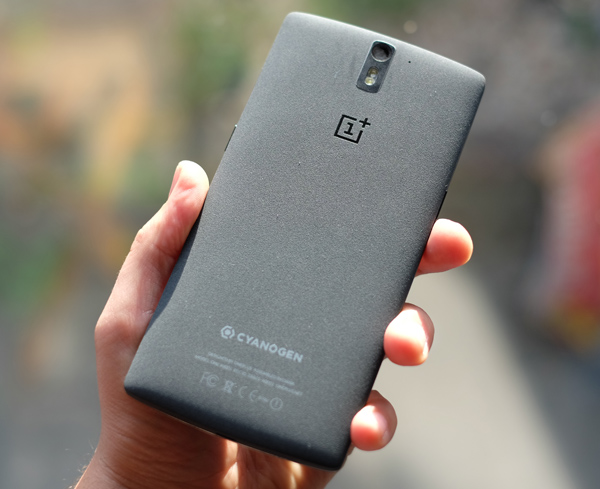 oneplus-back